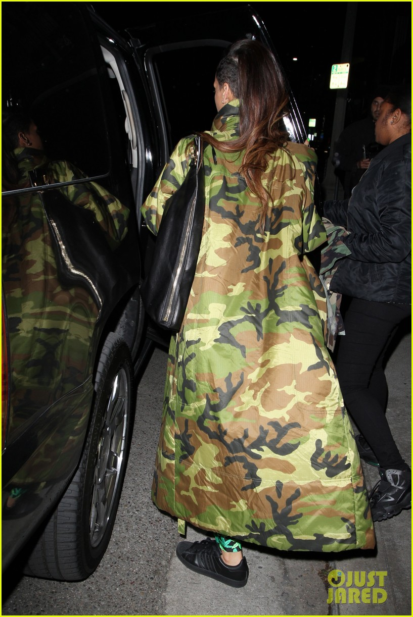 rihanna chris brown separate studio exits 162794199