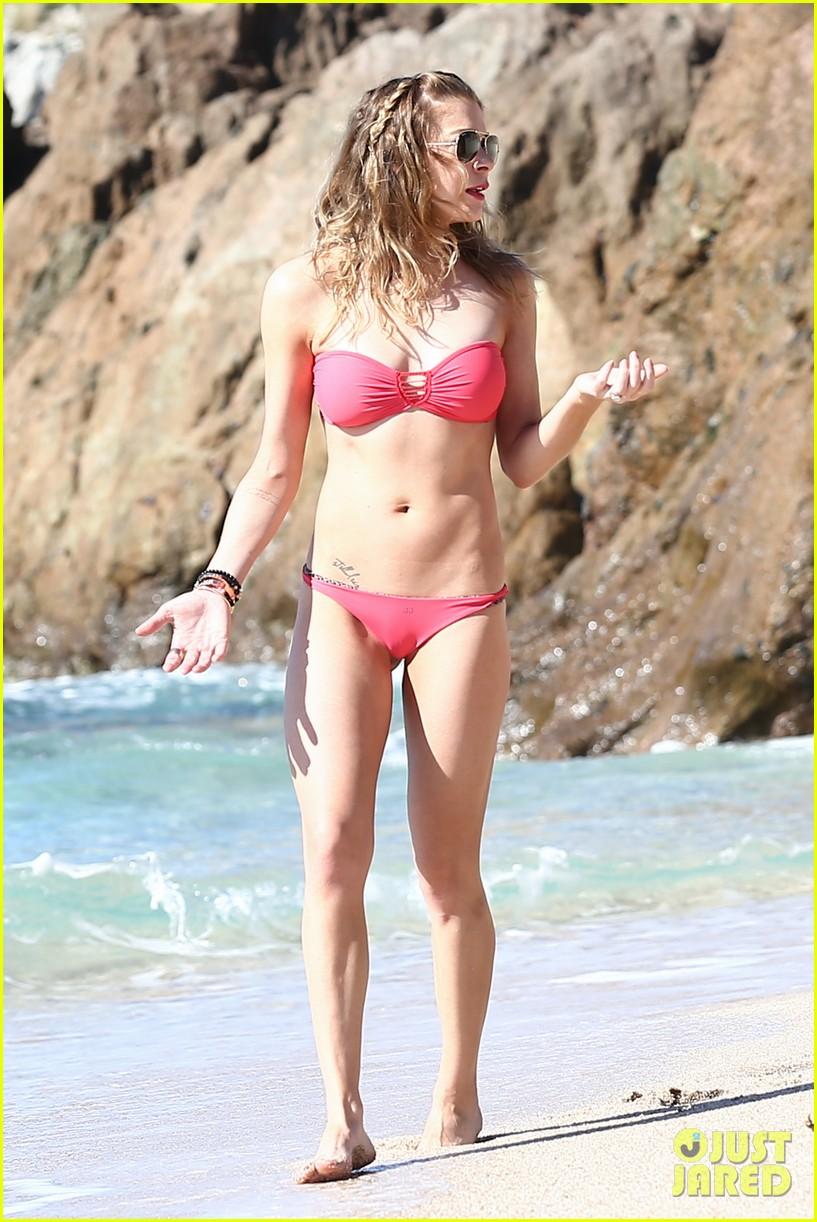 LeAnn Rimes: Cabo Bikini Babe!: Photo 2784716 | Bikini, Eddie Cibrian ...: www.justjared.com/photo-gallery/2784716/leann-rimes-cabo-bikini...