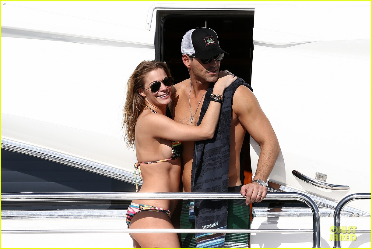 leann rimes bikini kissing with shirtless eddie cibrian 062783351