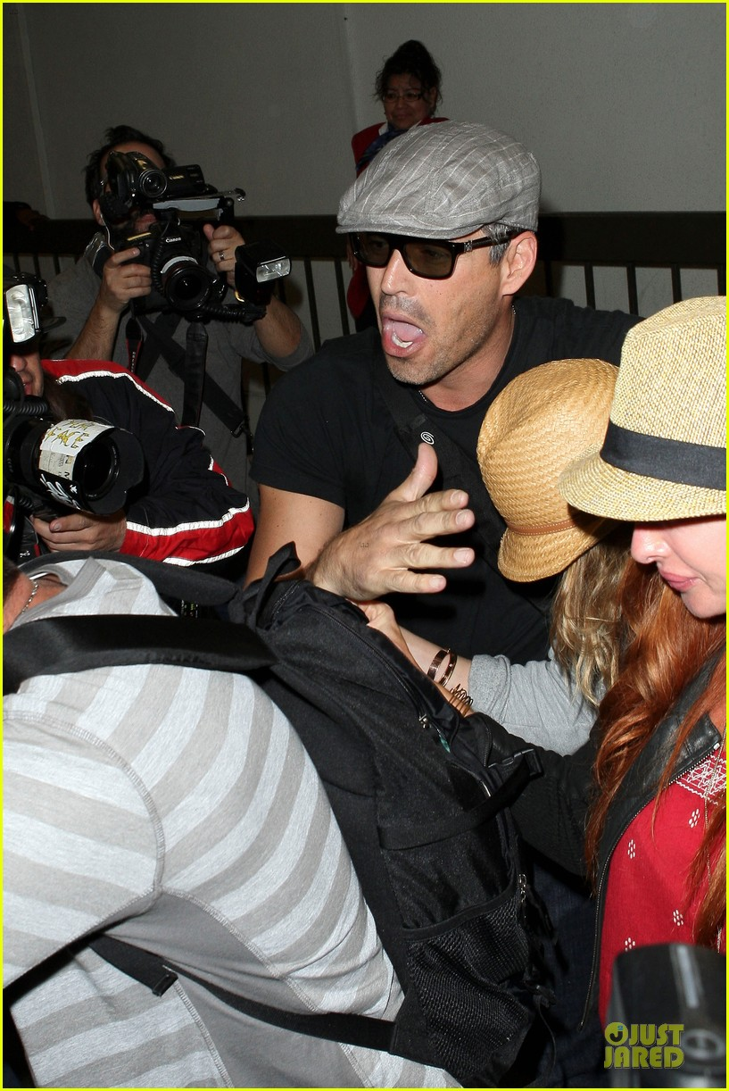 leann rimes traveling sick with eddie cibrian 04