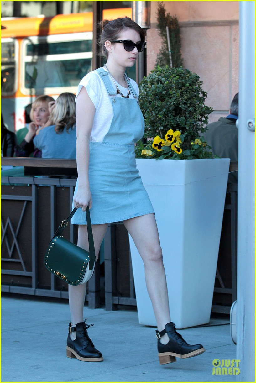 emma roberts auctions met ball dress for new york cares 062794836