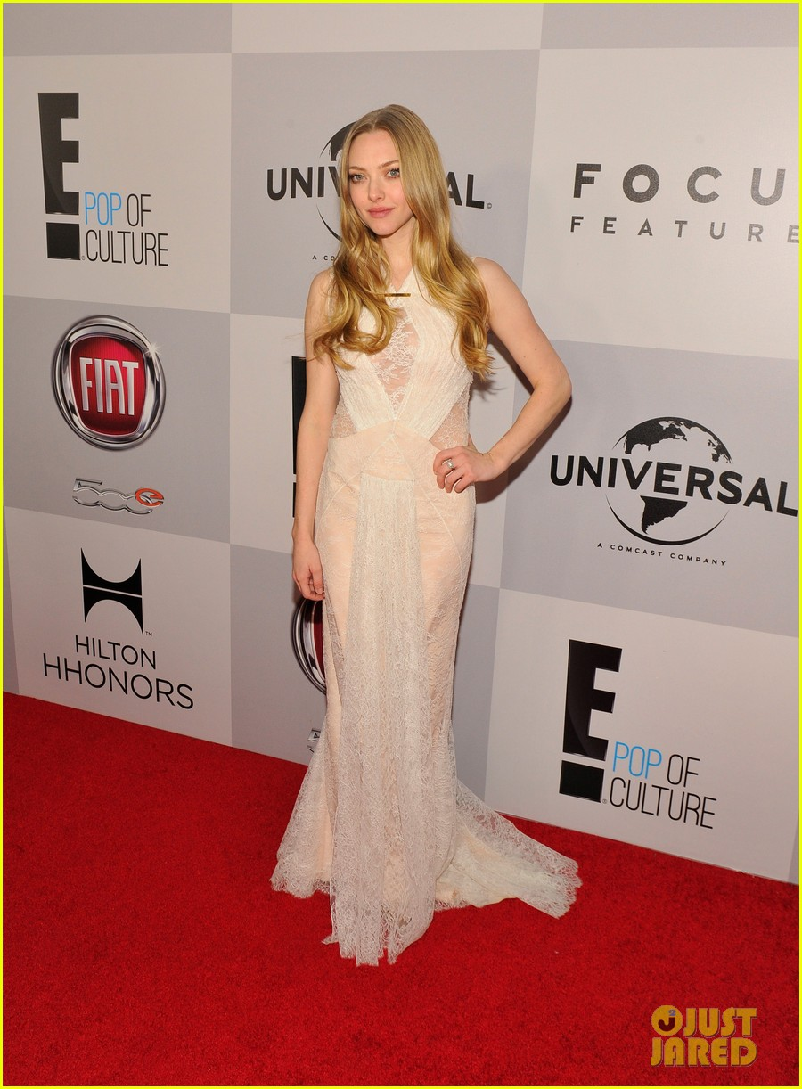 amanda seyfried golden globes 2013 red carpet 092791396