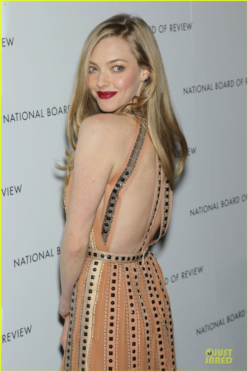 amanda seyfried & eddie redmayne nbr awards gala 2013 12