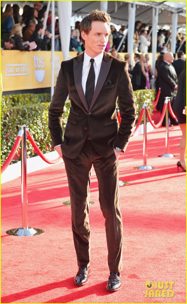 amanda seyfried eddie redmayne sag awards 2013 red carpet 05