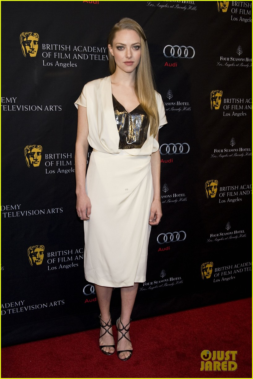 amanda seyfried hugh jackman bafta party 03