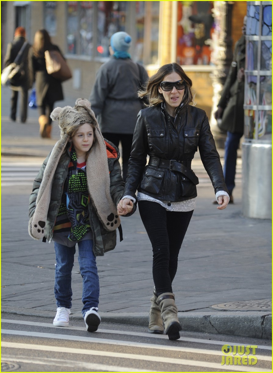 sarah jessica parker twins matching leather jackets 11