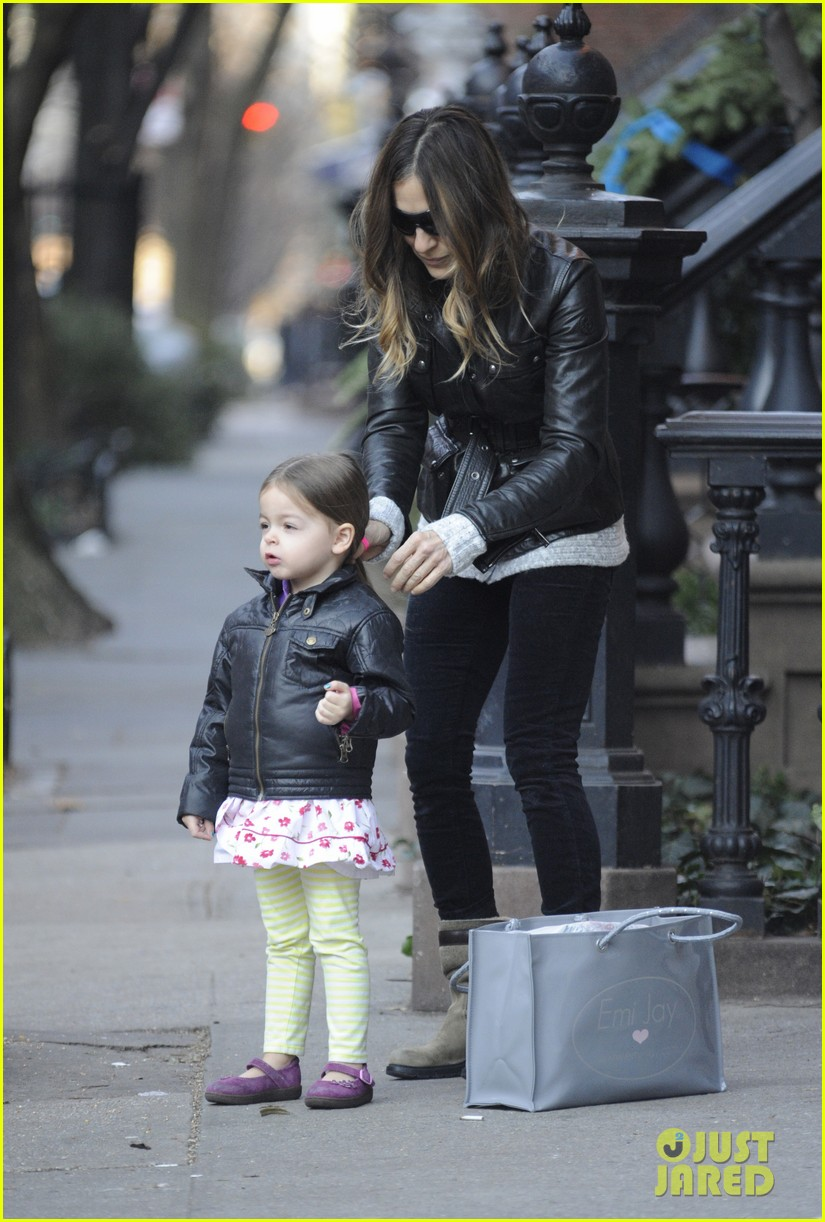 sarah jessica parker twins matching leather jackets 15