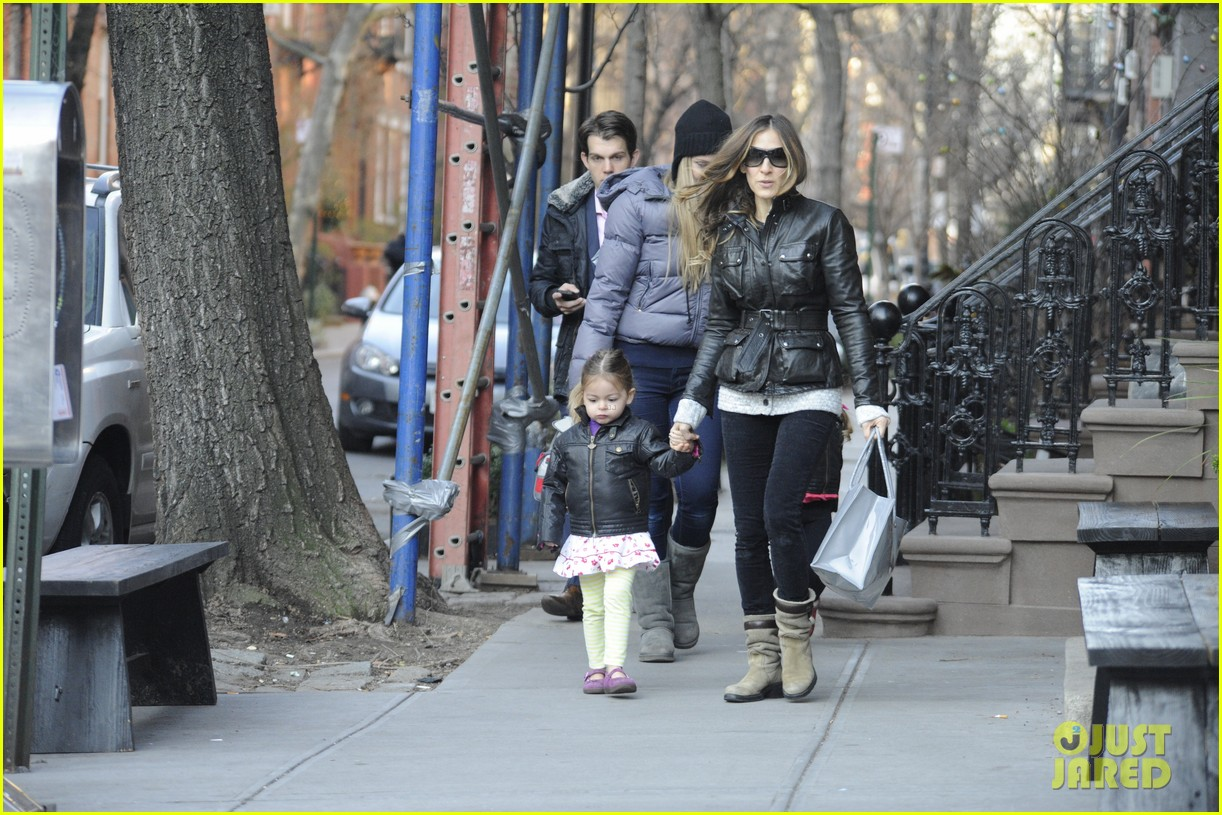 sarah jessica parker twins matching leather jackets 19