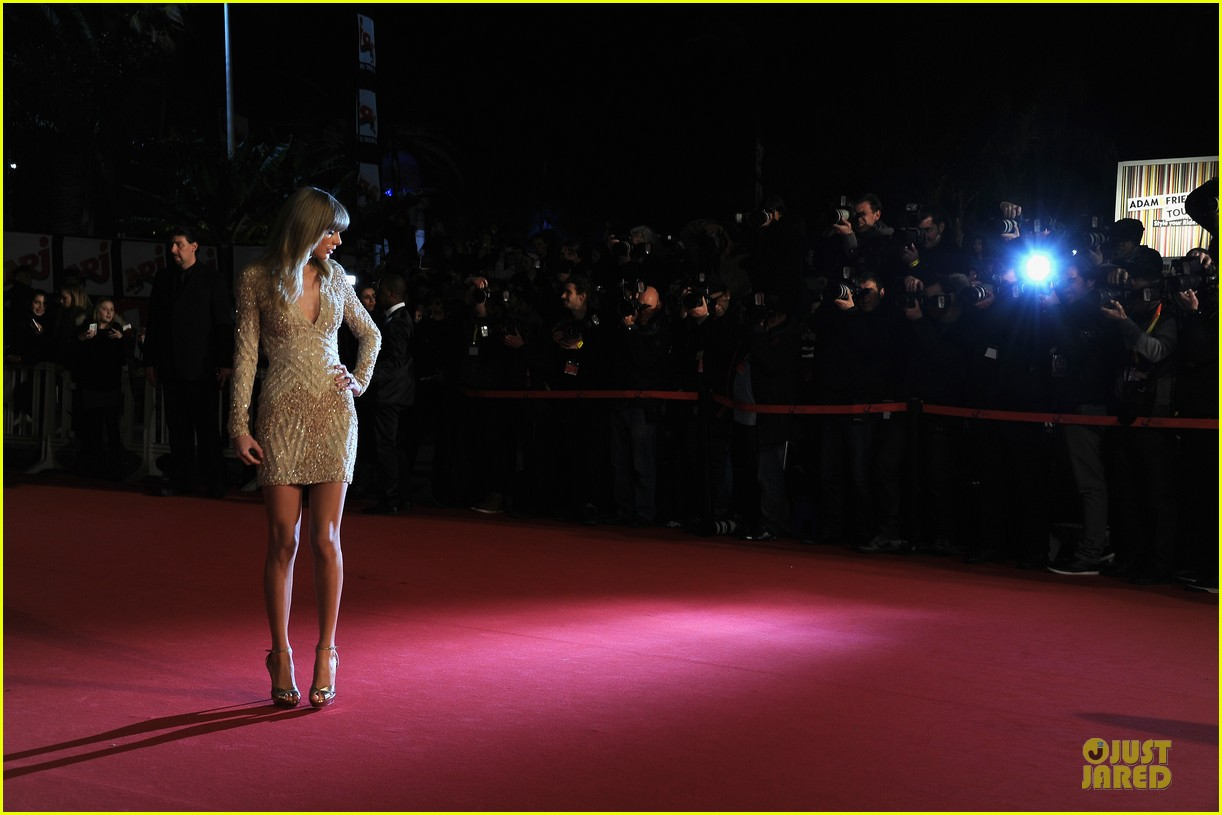 taylor swift nrj music awards 2013 red carpet 12