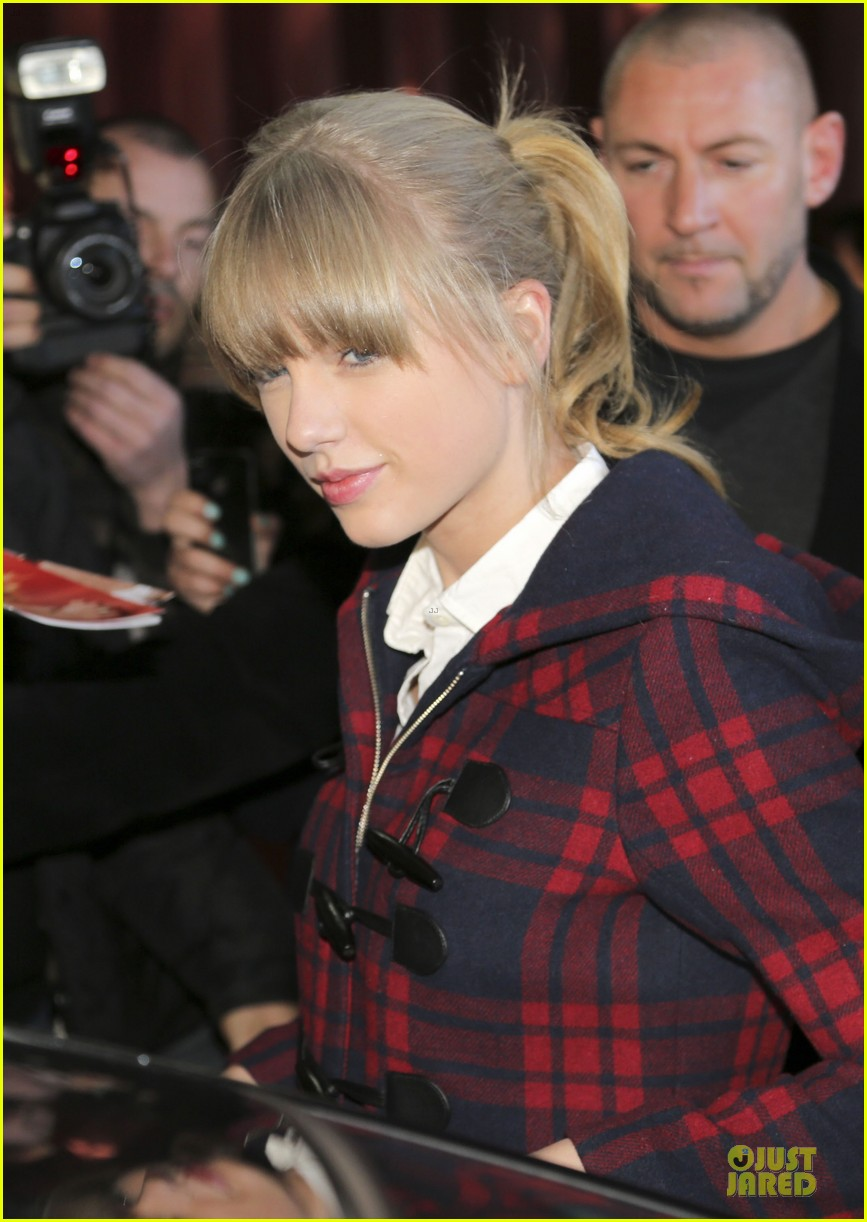 taylor swift nrj awards attendee 152798623
