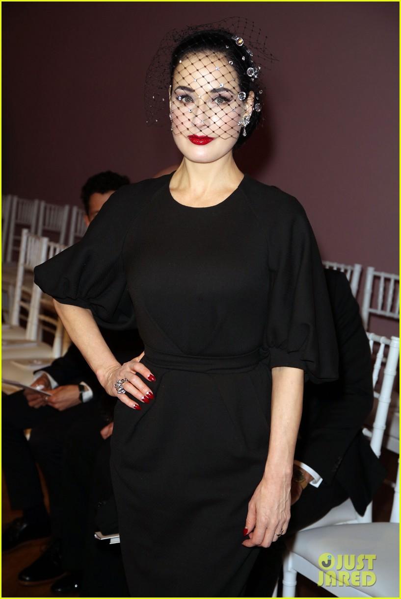 salma hayek dita von teese paris fashion week ladies 14