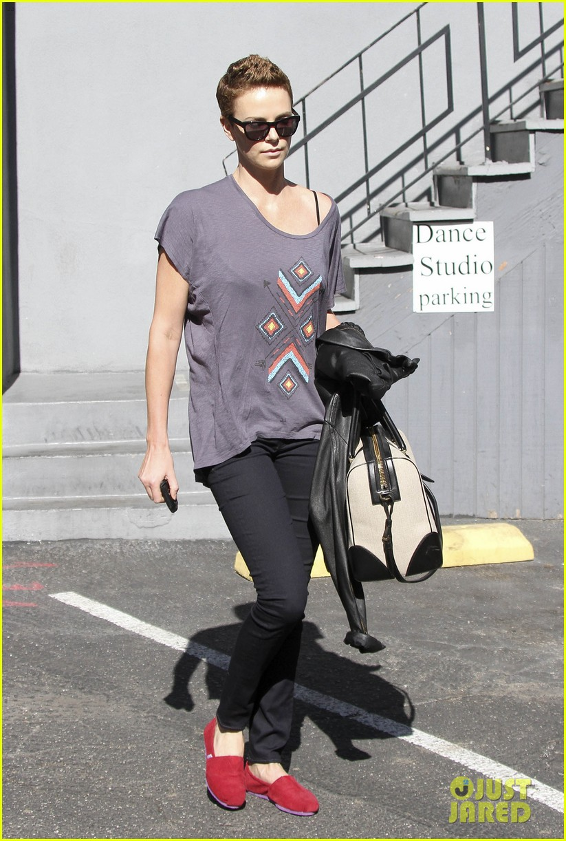 charlize theron fauxhawk hairstyle at the dance studio 08