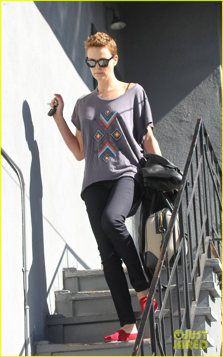charlize theron fauxhawk hairstyle at the dance studio 12