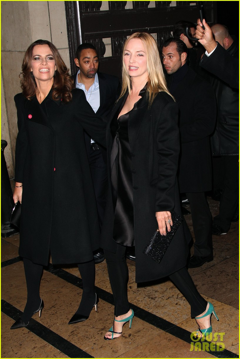 uma thurman hilary swank giorgio armani paris fashion show 062797280
