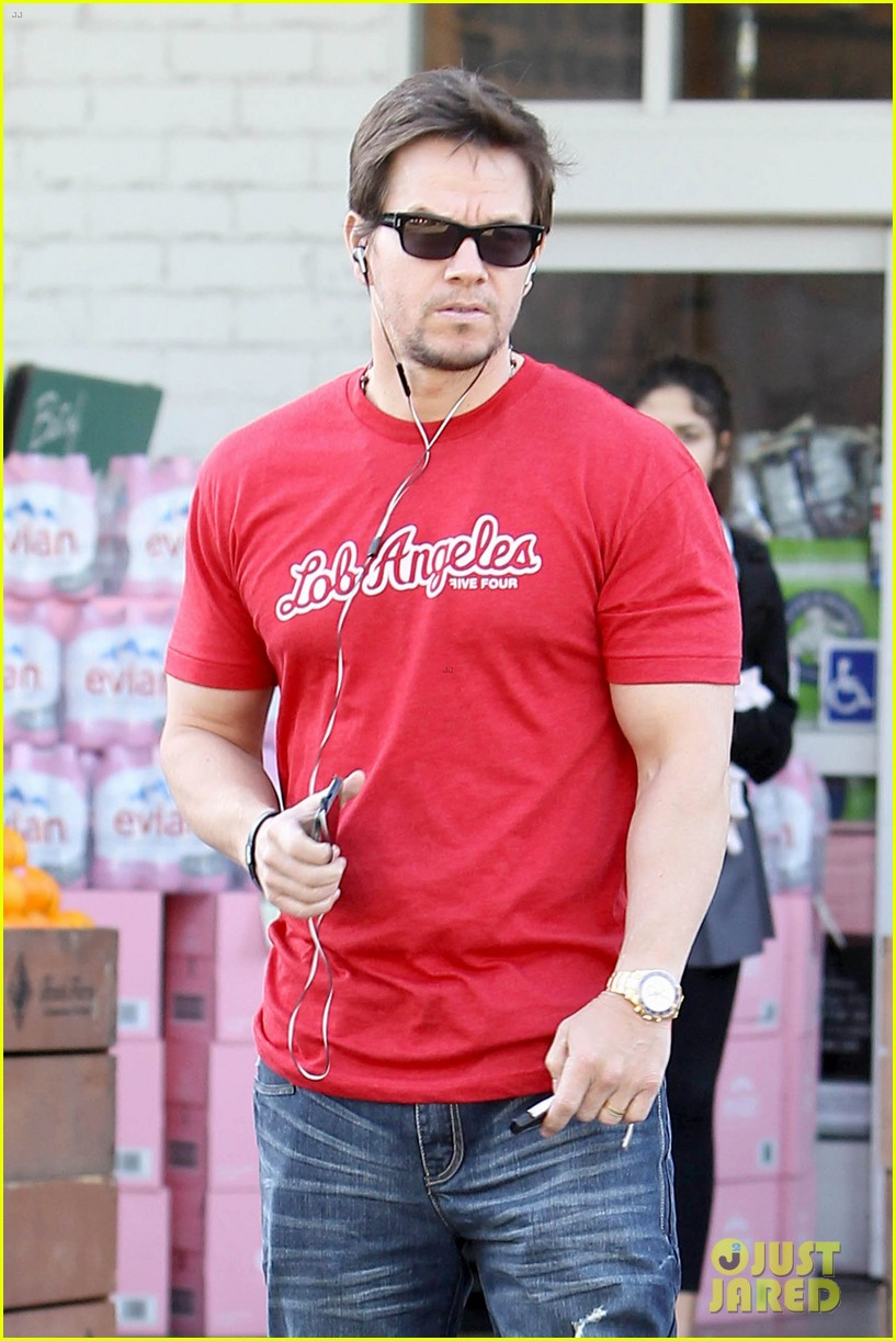 mark wahlberg entourage movie details revealed 042801703