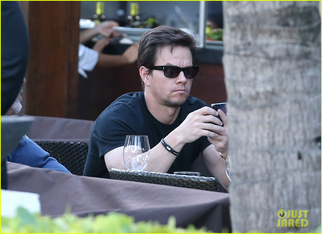 mark wahlberg new broken city twitter spot 202790354