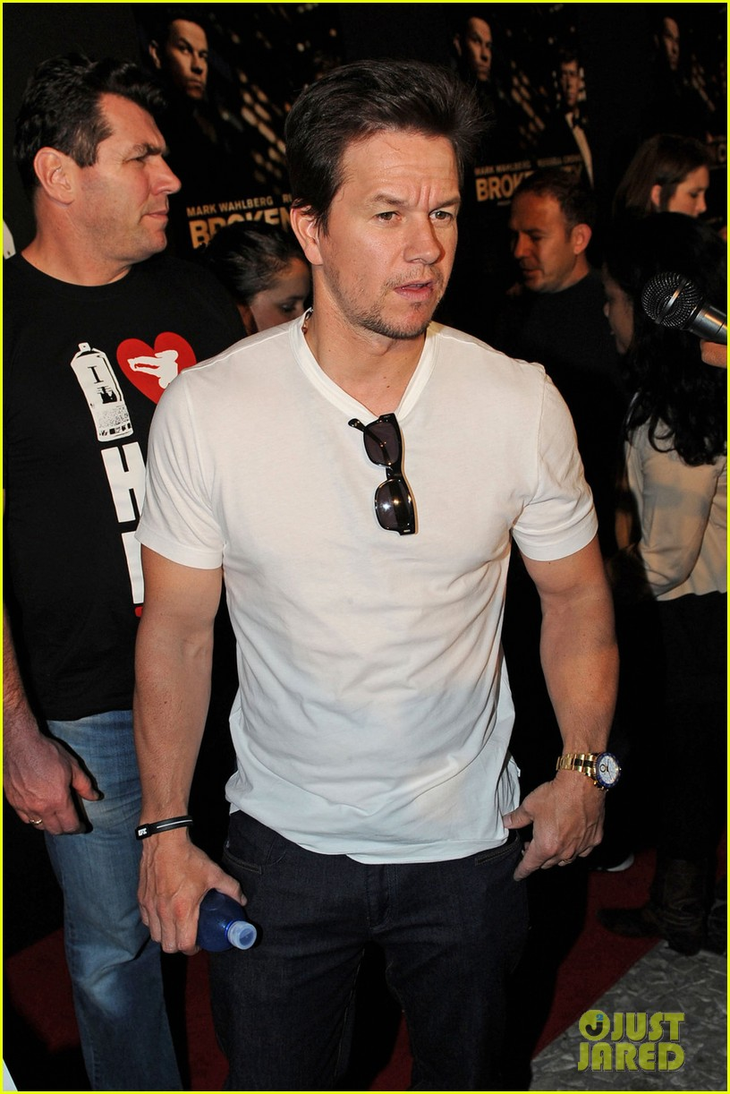 mark wahlberg natalie martinez broken city miami premiere 11
