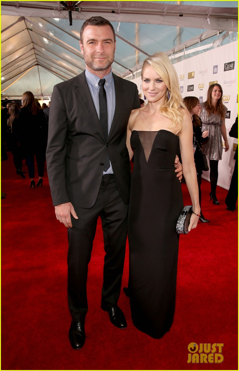 naomi watts liev schreiber critics choice awards 2013 03