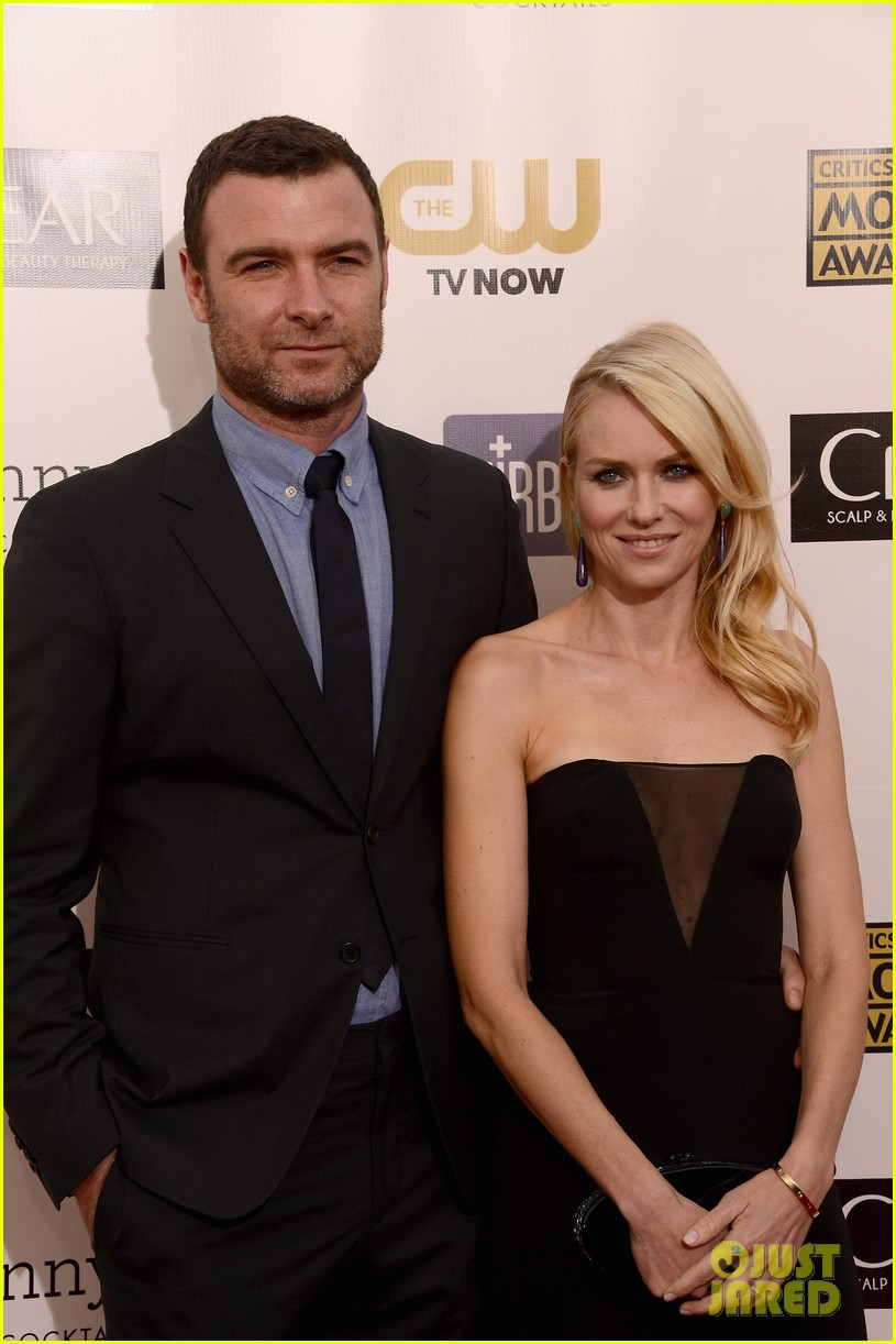 naomi watts liev schreiber critics choice awards 2013 08