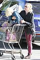 naomi watts grocery shopping with sasha 18