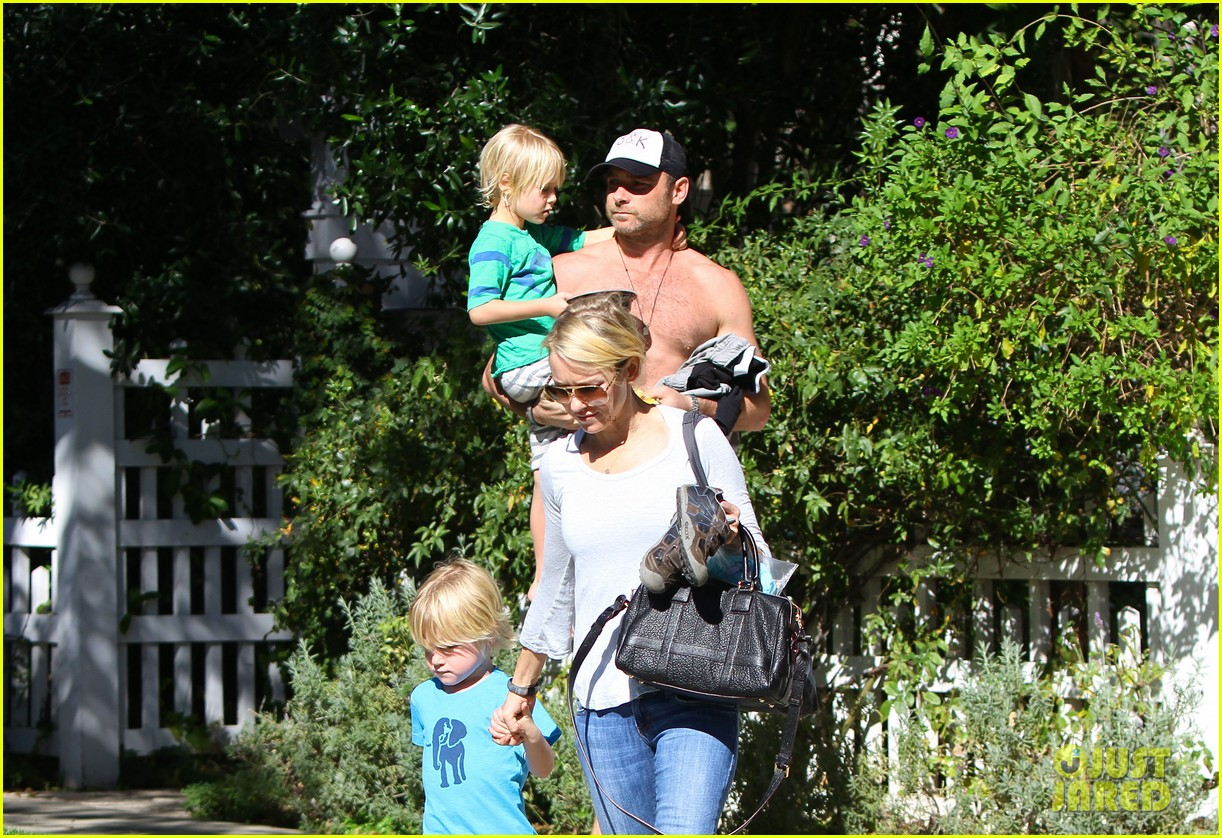 naomi watts liev schreiber sunday with kids 11