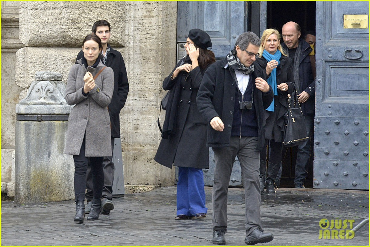 olivia wilde flashes engagement ring on third person set 09