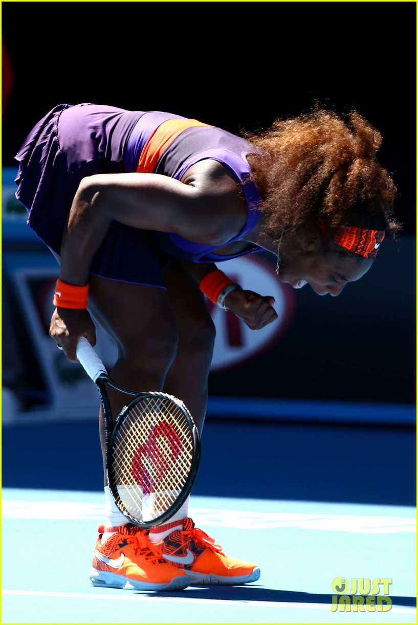 serena williams reveals swollen ankle after breaking racquet 012798118
