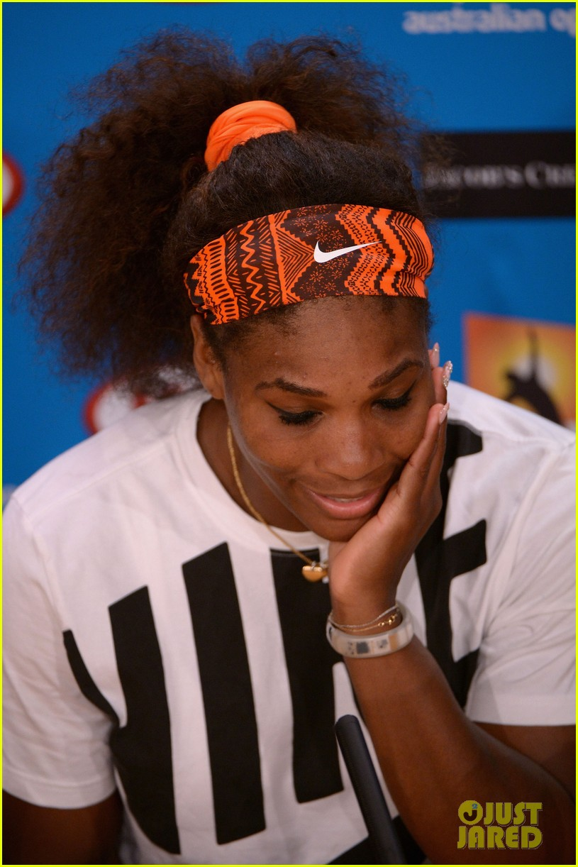 serena williams reveals swollen ankle after breaking racquet 18
