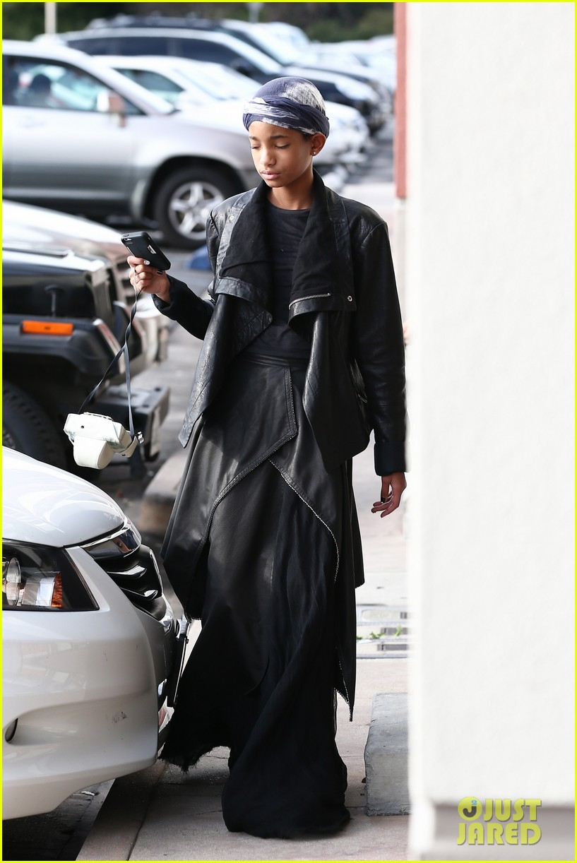 willow smith layers her leather 12