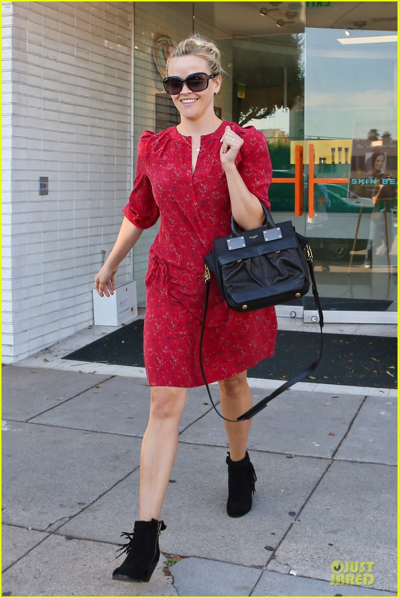 reese witherspoon third most wanted celebrity neighbor 092787120