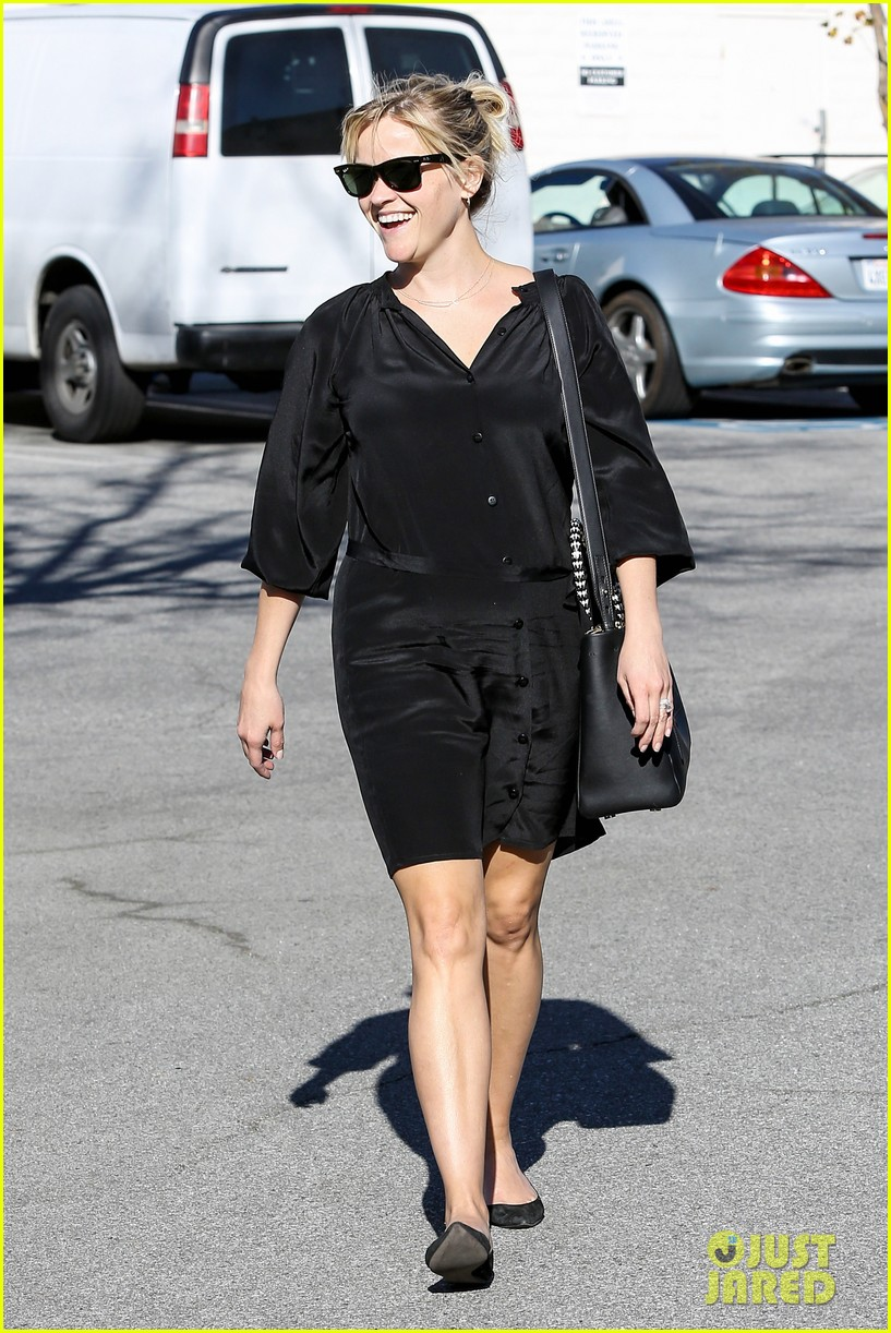 reese witherspoon sugarfish sushi lunch 10