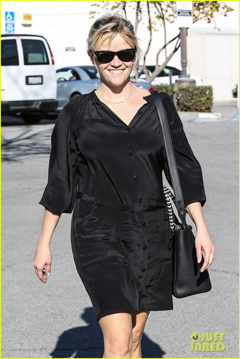 reese witherspoon sugarfish sushi lunch 11
