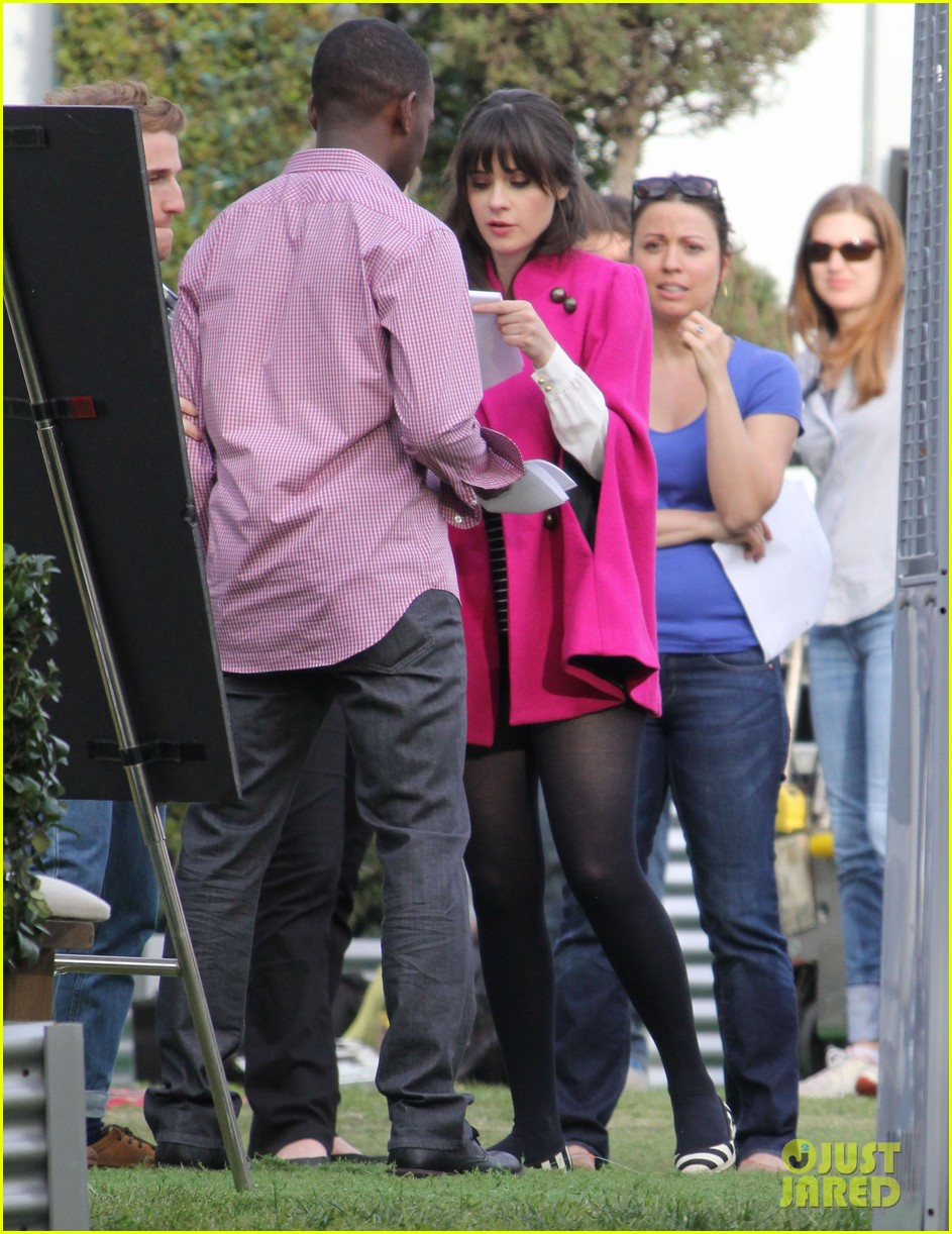 zooey deschanel new hello giggles is up running 03
