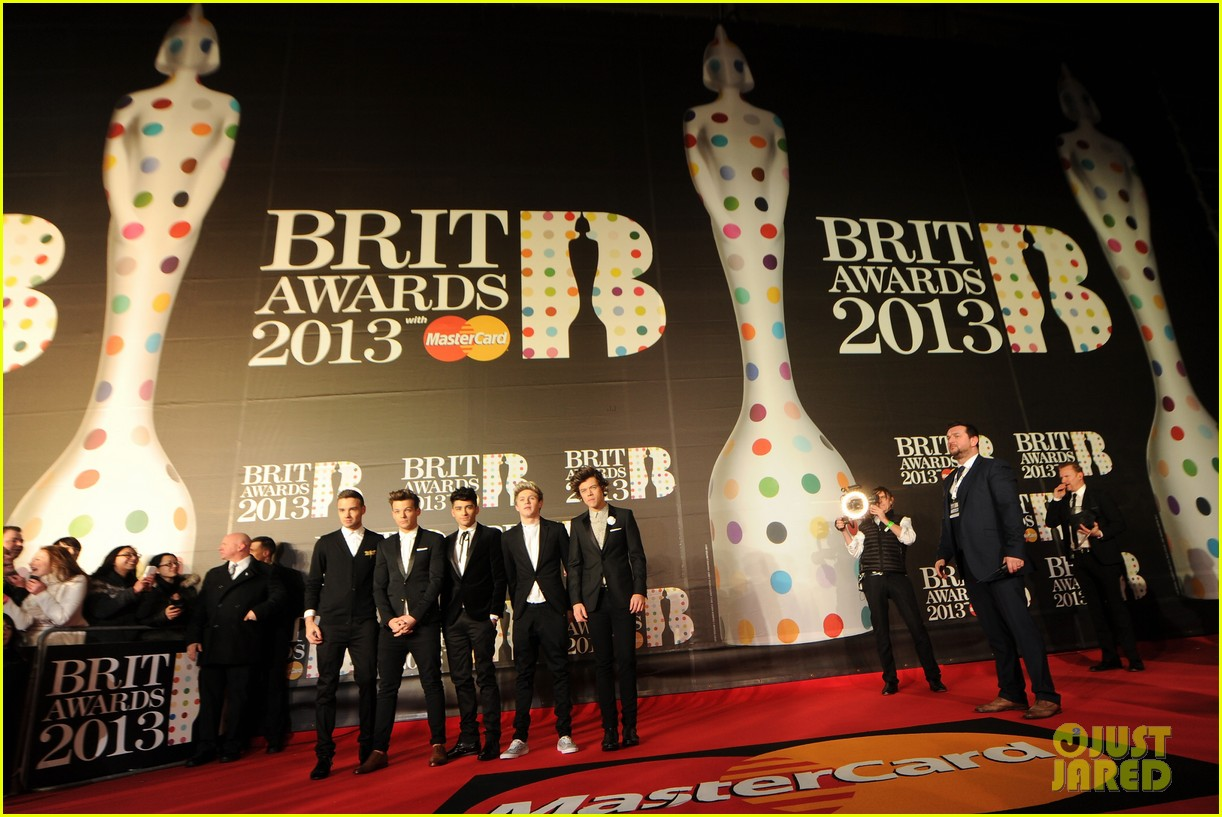 one direction brit awards red carpet 2013 06