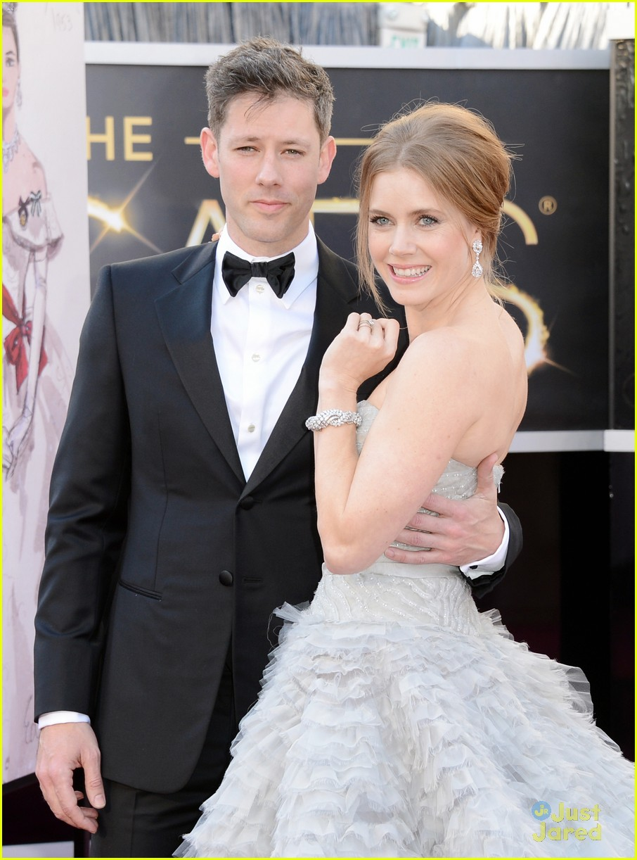 amy adams darren le gallo oscars 2013 red carpet 022818976