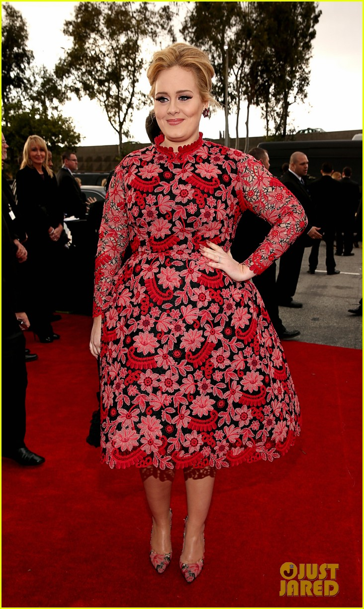 adele grammys 2013 red carpet 03