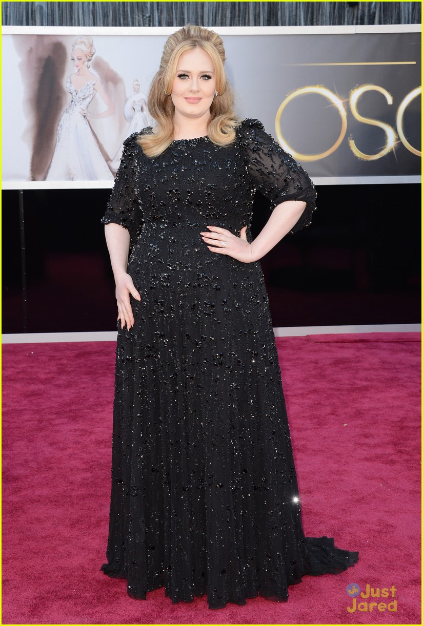 adele oscars red carpet 2013 012819158
