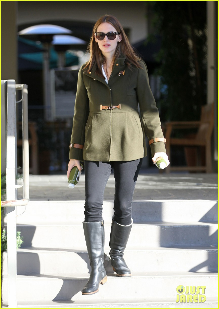 ben affleck jennifer garner breakfast with seraphina 03