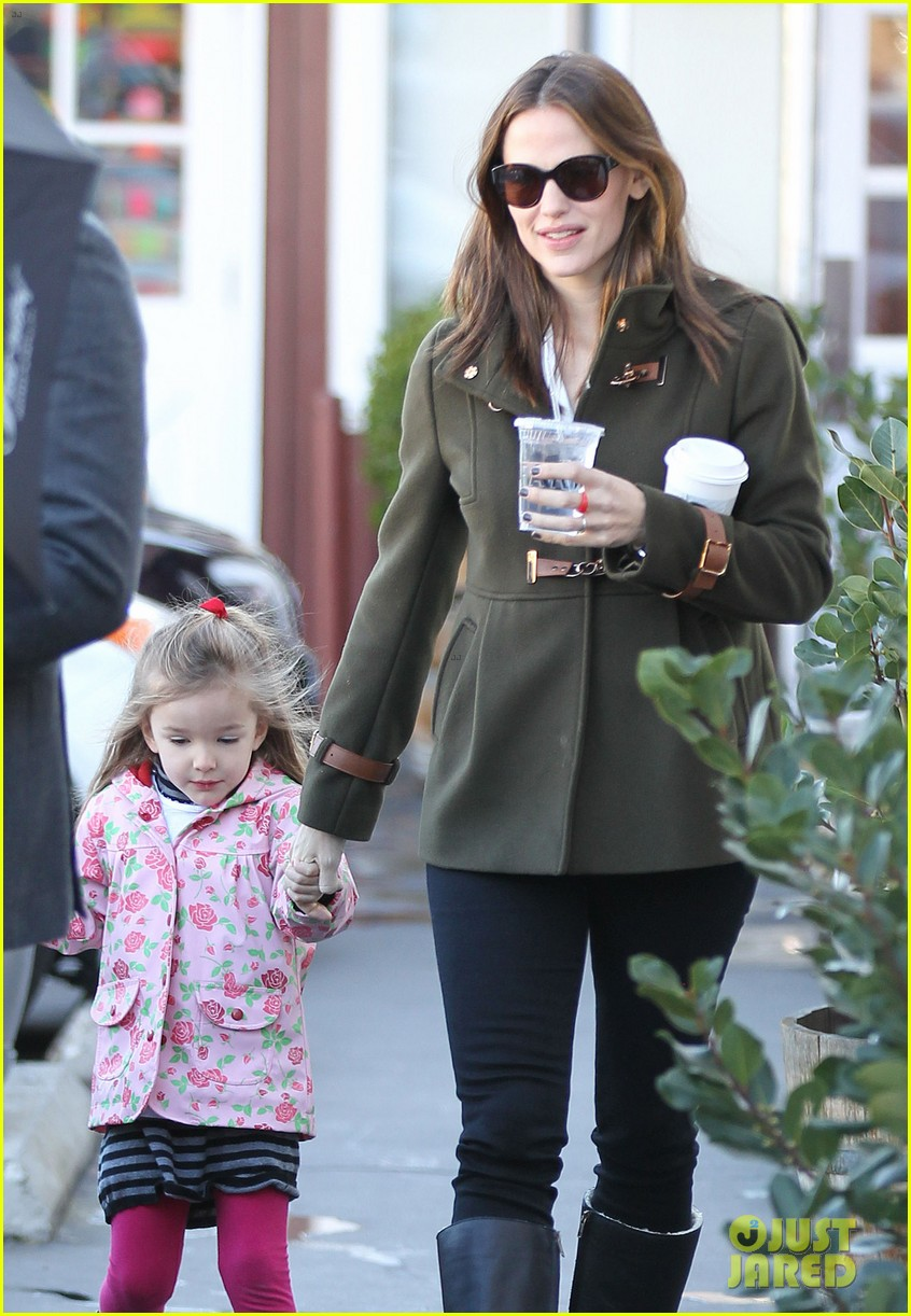 ben affleck jennifer garner breakfast with seraphina 09