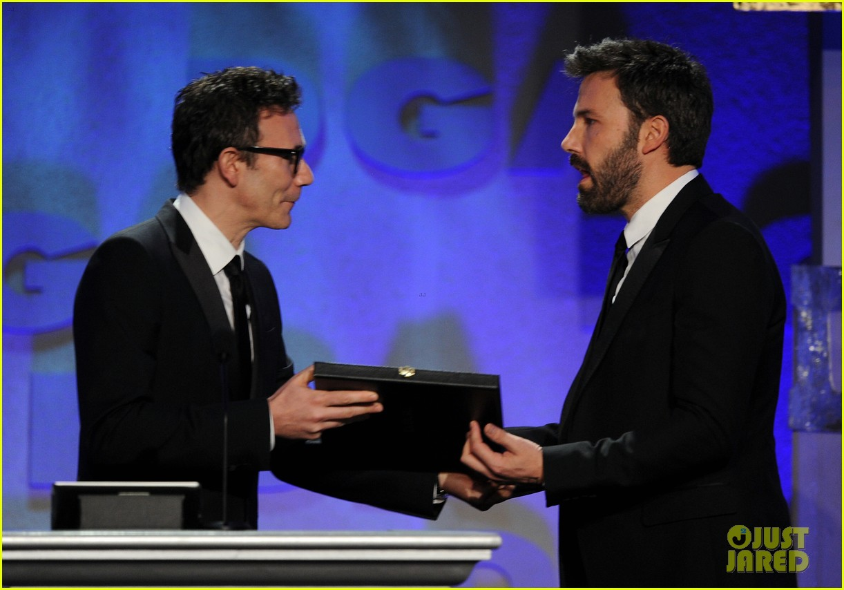 ben affleck wins dga award 2013 despite oscar snub 092803746