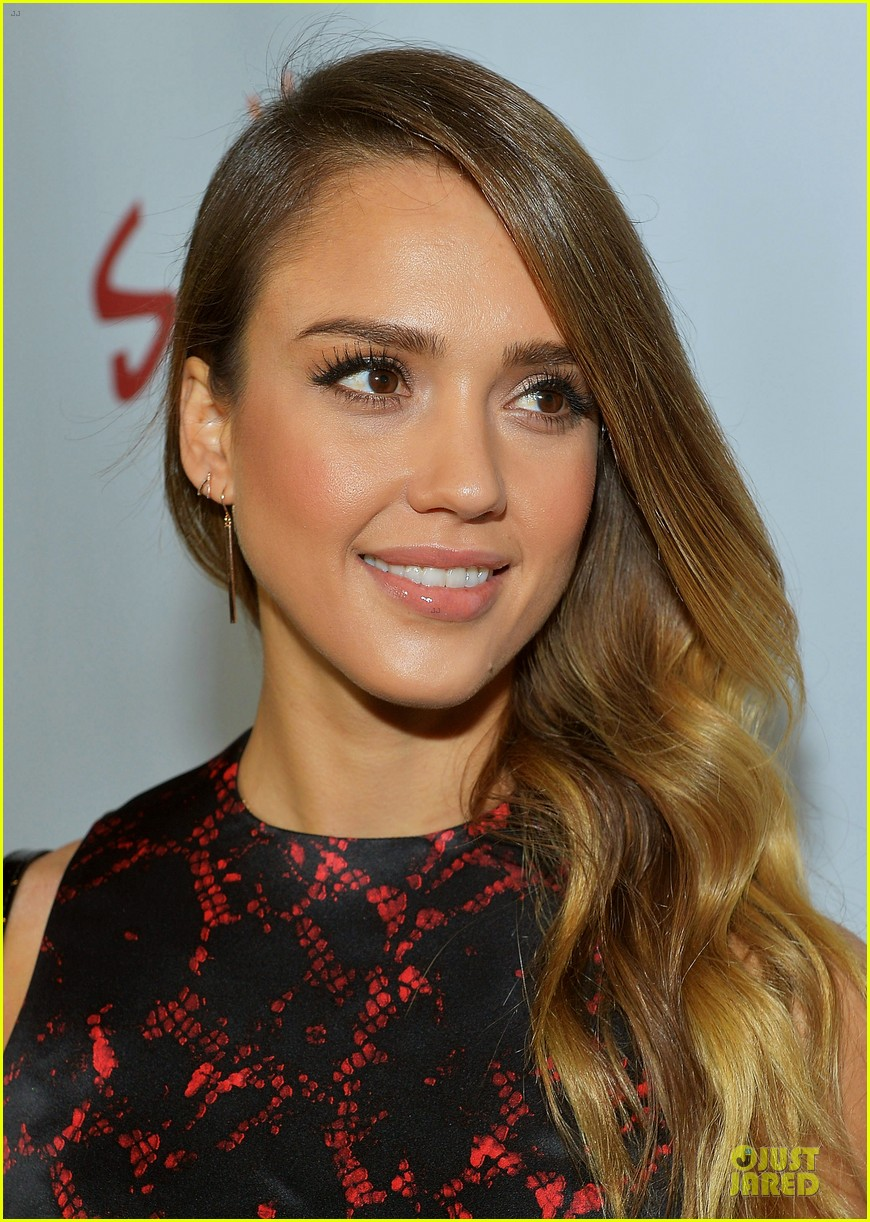 jessica alba hugh jackman escape from planet earth los angeles premiere 10