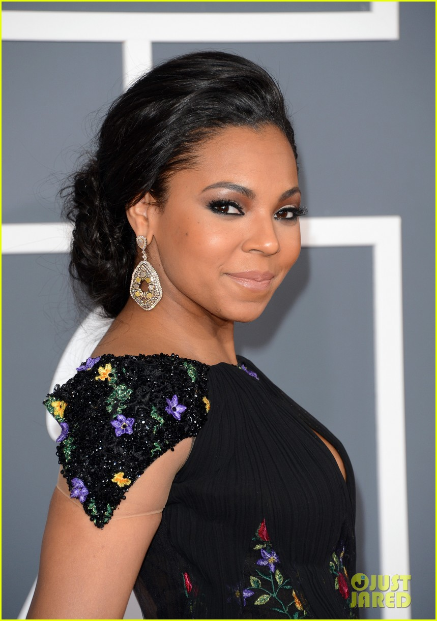 ashanti grammys 2013 red carpet 02