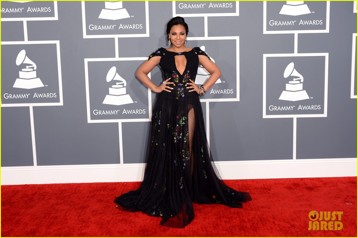 ashanti grammys 2013 red carpet 092809048
