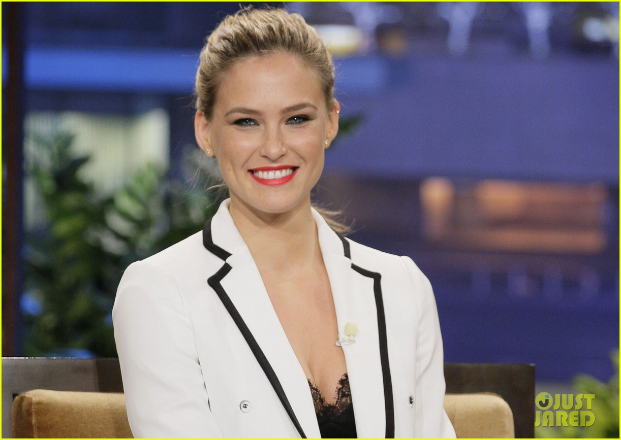 bar refaeli jay leno tries to recreate go daddy kiss 02
