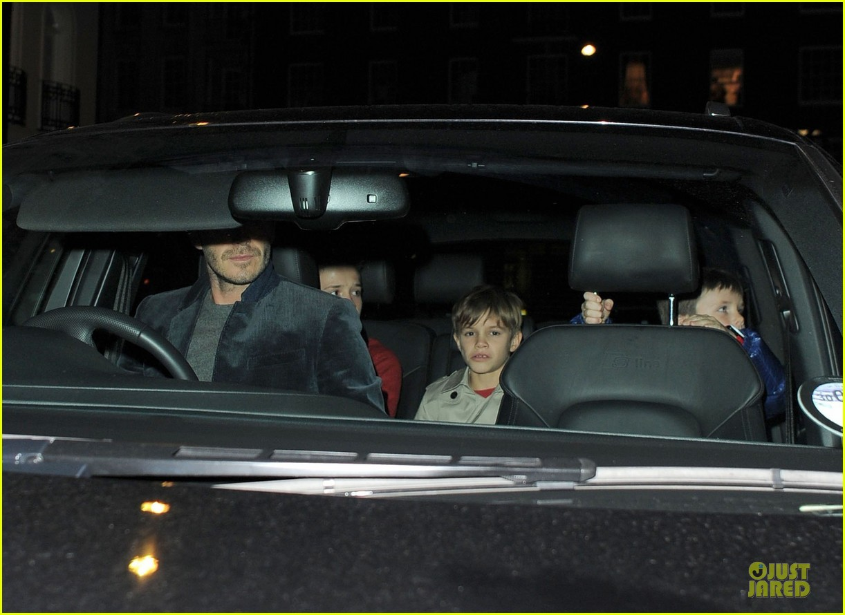 david beckham tamarind restaurant dinner with the boys 13