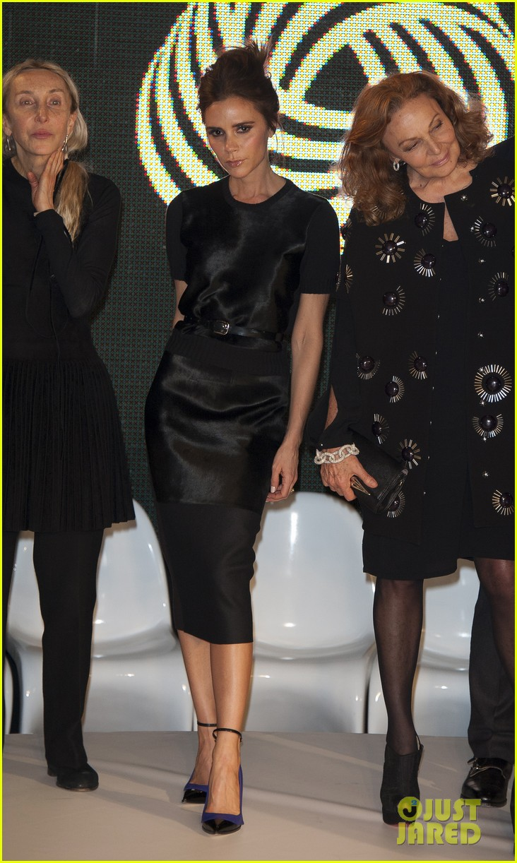 victoria beckham woolmark prize final in london 01
