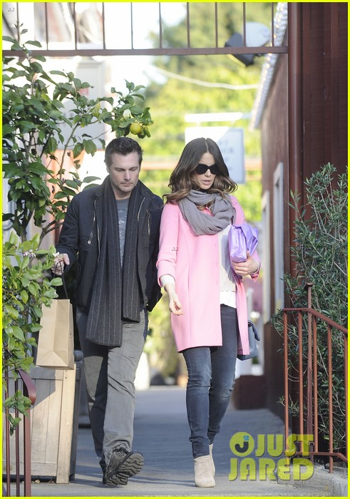 kate beckinsale len wiseman brentwood country mart couple 08
