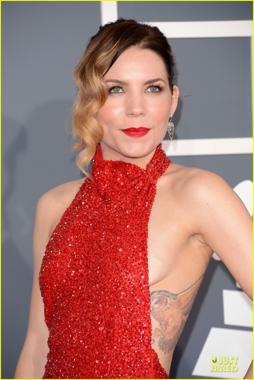 natasha bedingfield skylar grey 2013 grammys red carpet 072809213