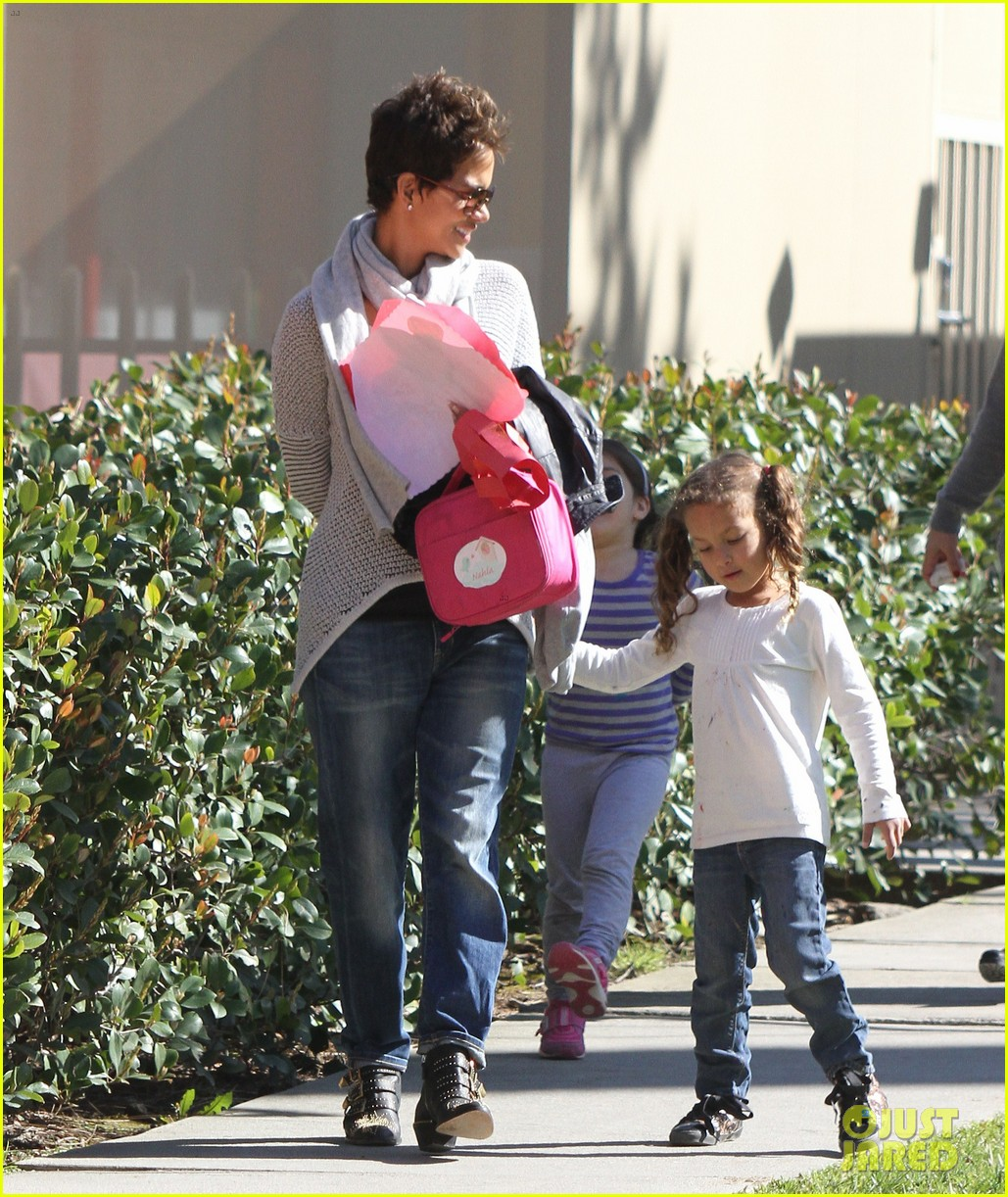 halle berry fit for kids with nahla 082820961