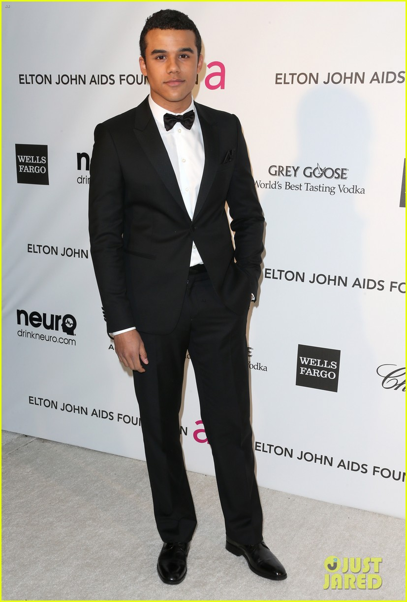 bonnie wright jacob artist elton john oscars party 03